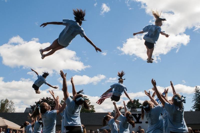 10.Cheerleaders-in-Flight